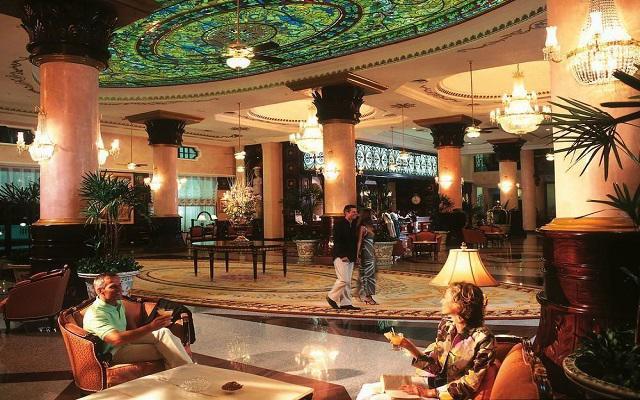 Hotel Riu Palace Las Américas, relájate y disfruta una copa en el lobby