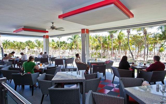 Hotel Riu Palace México, empieza tu día con un rico desayuno cerca del mar