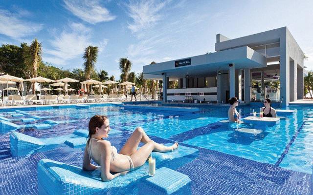 Hotel Riu Palace México, disfruta de la alberca al aire libre