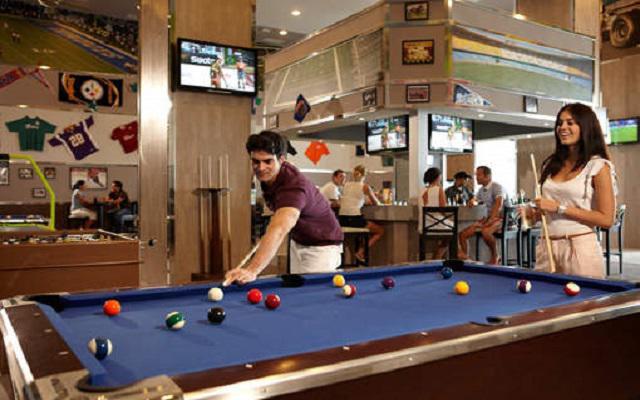 Hotel Riu Palace Península All Inclusive, Sport Bar