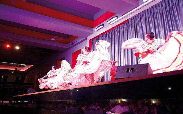 Hotel Riu Palace Península All Inclusive, disfruta de los shows en vivo