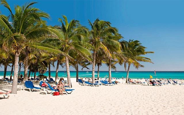 Hotel Riu Palace Riviera Maya, momentos agradables en la playa