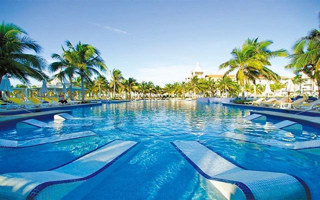 Hotel Riu Palace Riviera Maya, espacios ideales para asolearte