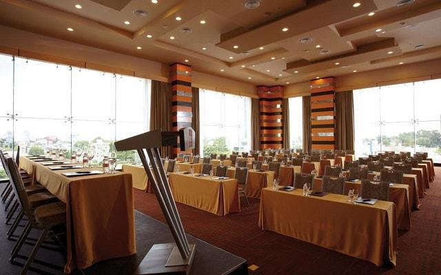 Hotel Riu Plaza Guadalajara, servicios de negocio