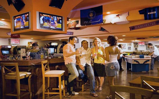 Hotel Riu Vallarta All Inclusive, Sports Bar