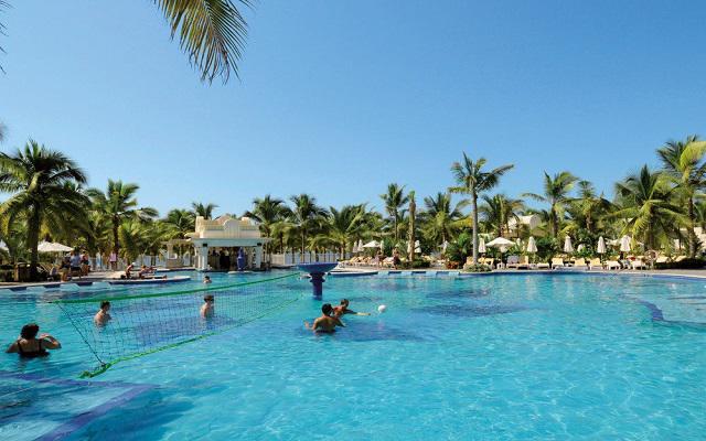 Hotel Riu Vallarta All Inclusive, diviértete con un partido de voley