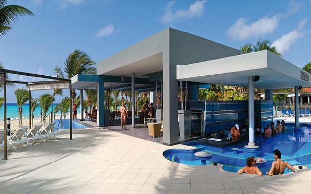 Hotel Riu Yucatán, disfruta un coctel en el Bar Cozumel
