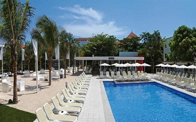 Hotel Riu Yucatán, disfruta de la alberca al aire libre