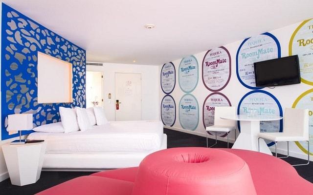 Hotel Room Mate Valentina, obras maestras del experto en antigüedades Tomás Alía