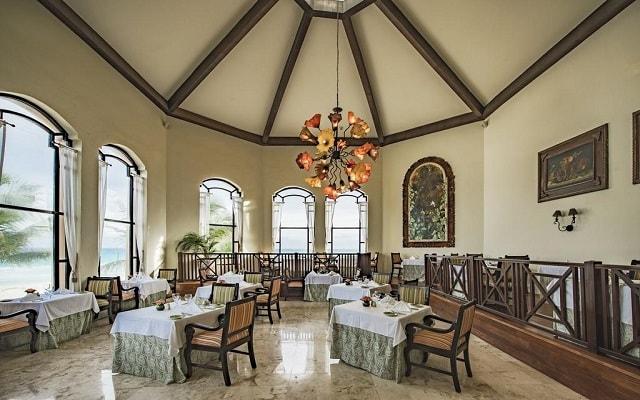 Hotel Royal Hideaway Playacar Adults Only, espacios de diseño
