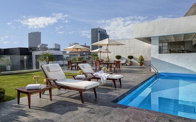 Hotel Royal Reforma, disfruta de su alberca al aire libre