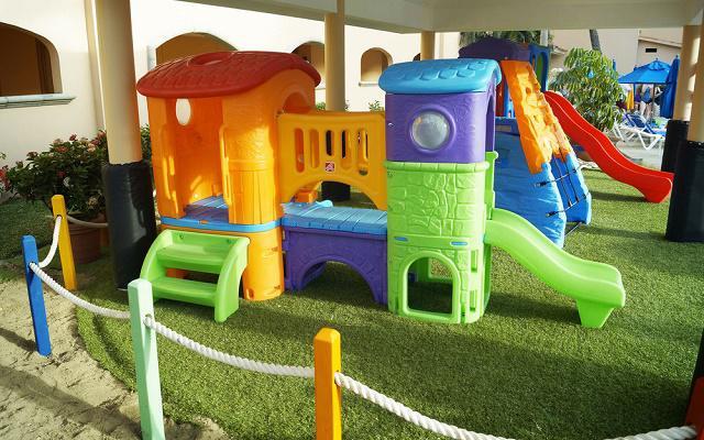 Hotel Royal Solaris Los Cabos posee un área de juegos infantiles