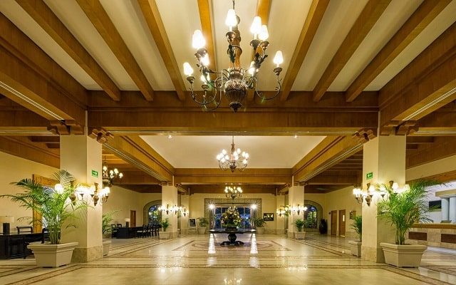 Hotel Royal Solaris Los Cabos, atención personalizada desde el inicio de tu estancia