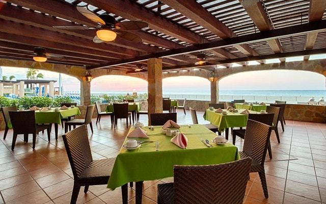 Hotel Royal Solaris Los Cabos, disfruta tus comidas con vistas hermosas