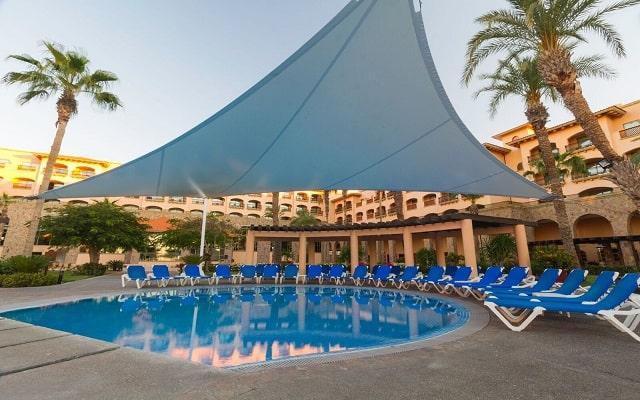 Hotel Royal Solaris Los Cabos, relájate en la alberca