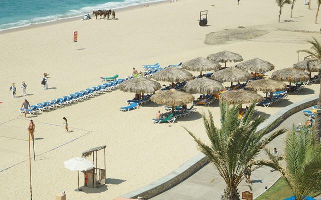 Hotel Royal Solaris Los Cabos está ubicado frente al mar