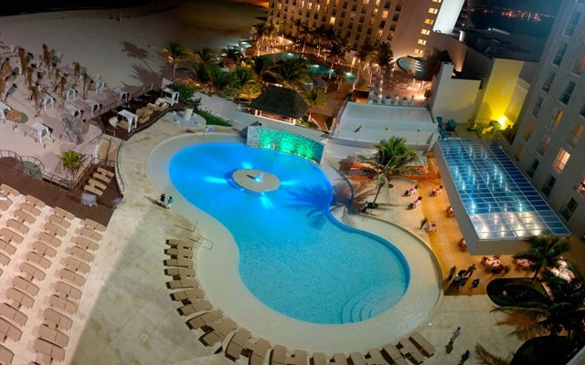 Hotel Royal Sunset Beach Resort, noches inolvidables