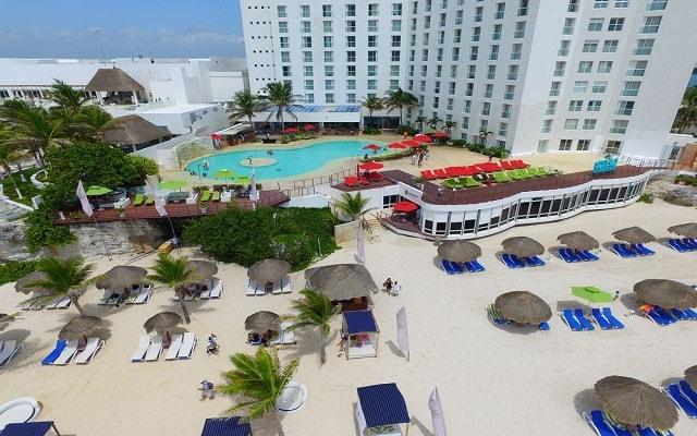 Hotel Royal Sunset Beach Resort, buena ubicación