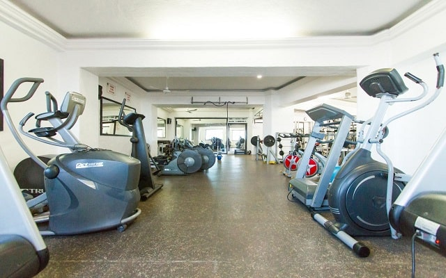Hotel Royal Villas Resort, gimnasio bien equipado