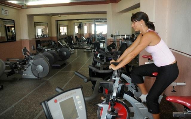 Hotel Royal Villas Resort, gimnasio bien equipado