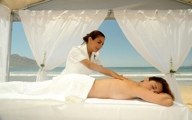 Hotel Royal Villas Resort, permite que te consientan con un masaje