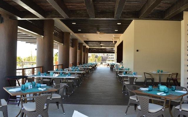 Hotel Royalton Riviera Cancún Resort and Spa, gastronomía nacional e internacional