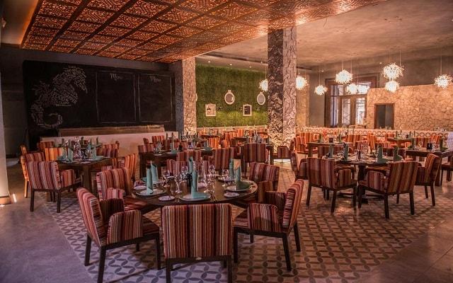 Hotel Royalton Riviera Cancún Resort and Spa, escenario ideal para tus alimentos