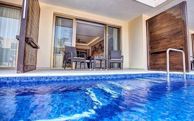 Hotel Royalton Riviera Cancún Resort and Spa, habitaciones con acceso a la alberca