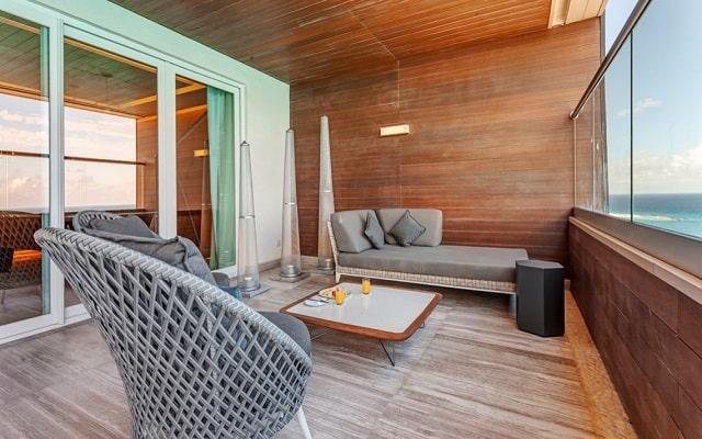 Hotel Royalton Suites Cancun Resort and Spa, espacios acondicionados para tu comodidad