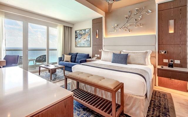 Hotel Royalton Suites Cancun Resort and Spa, luminosas habitaciones