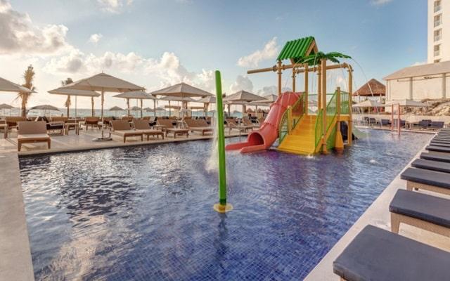 Hotel Royalton Suites Cancun Resort and Spa, parque acuático