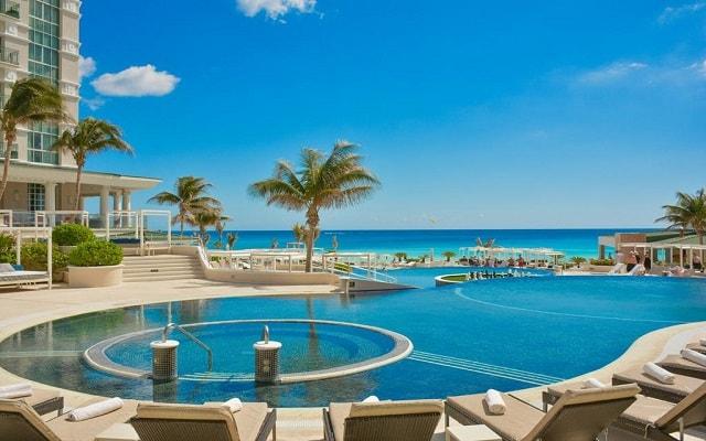 Hotel Sandos Cancún Lifestyle Resort, disfruta del jacuzzi