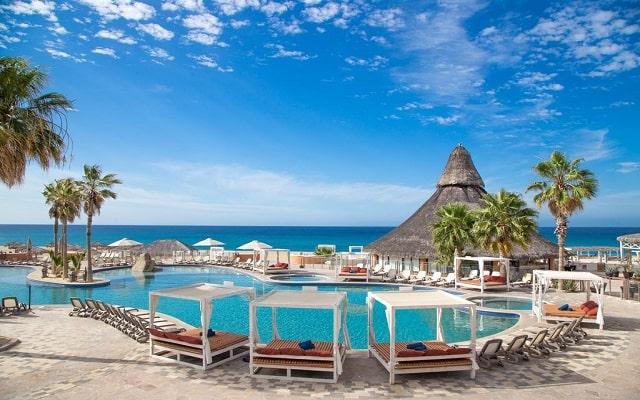 Hotel Sandos Finisterra Los Cabos All Inclusive Resort, disfruta de su alberca al aire libre