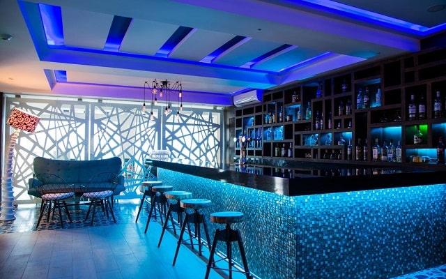 Hotel Sandos Finisterra Los Cabos All Inclusive Resort, relájate en el bar