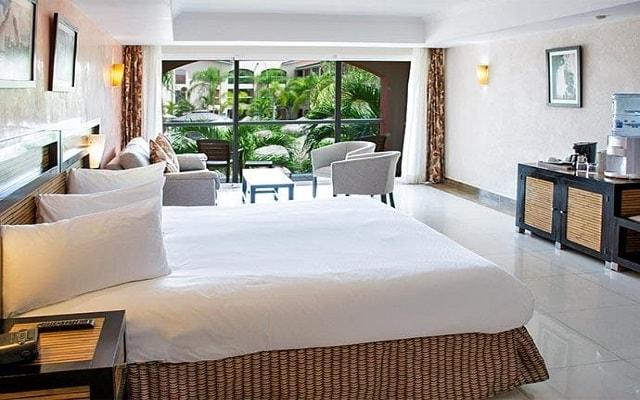 Hotel Sandos Playacar Beach Resort Select Club All Inclusive, habitaciones cómodas y acogedoras