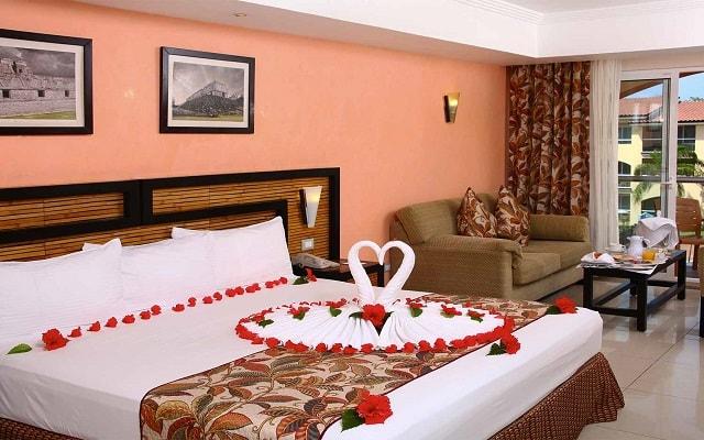 Hotel Sandos Playacar Beach Resort Select Club All Inclusive, amenidades especiales para lunamieleros