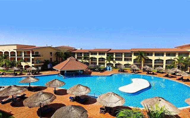 Hotel Sandos Playacar Beach Resort Select Club All Inclusive, espacios con todas las amenidades