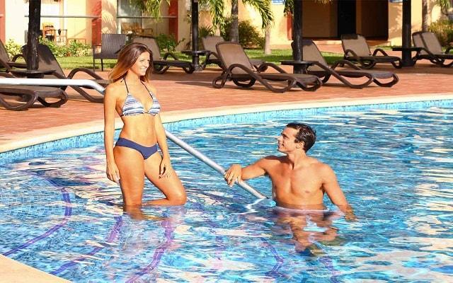 Hotel Sandos Playacar Beach Resort Select Club All Inclusive, sitios para disfrutar en buena compañía