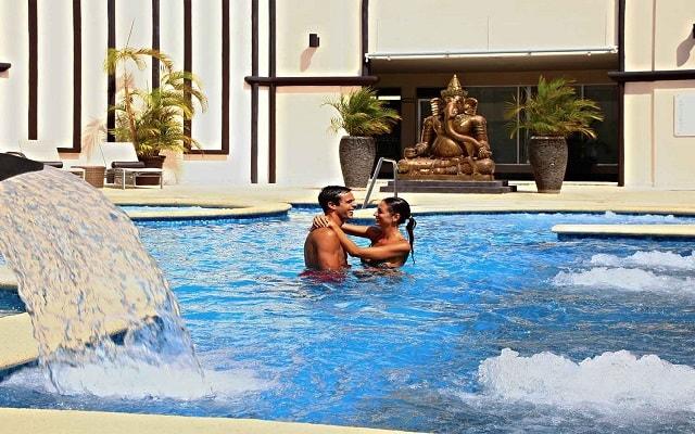 Hotel Sandos Playacar Beach Resort Select Club All Inclusive, disfruta de su alberca al aire libre