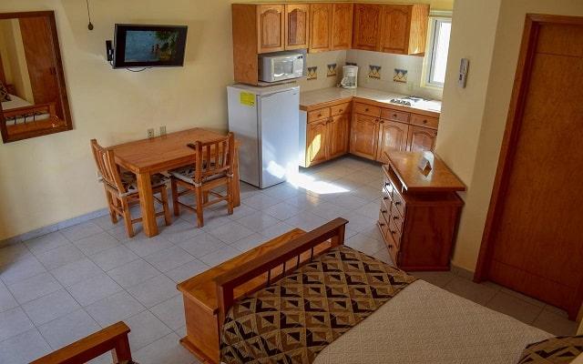 Hotel Santa Fe Loreto by Villa Group, los estudios cuentan con cocina equipada
