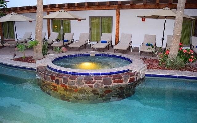 Hotel Santa Fe Loreto by Villa Group, relájate en el jacuzzi