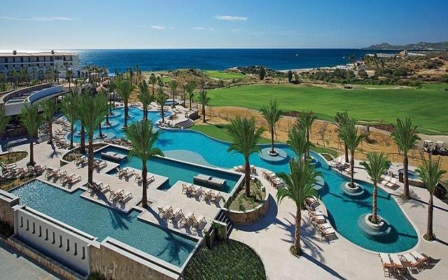 Hotel Secrets Puerto Los Cabos Golf & Spa Resort, disfruta de su alberca al aire libre