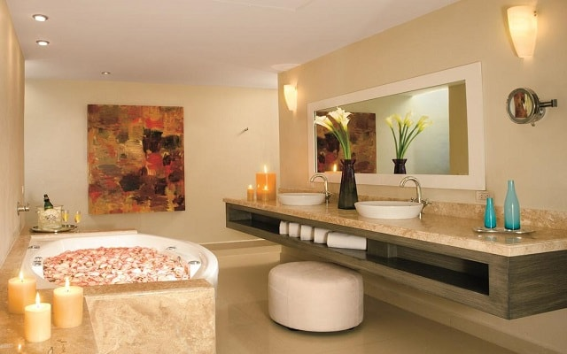 Hotel Secrets Silversands Riviera Cancún, relájate en el jacuzzi