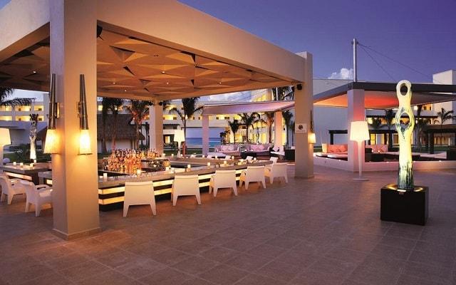 Hotel Secrets Silversands Riviera Cancún, Bar Veranda
