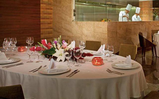 Hotel Secrets The Vine Cancún, prueba su variedad de platillos gourmet