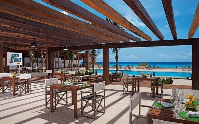 Hotel Secrets The Vine Cancún, tus alimentos en ambientes de lujo
