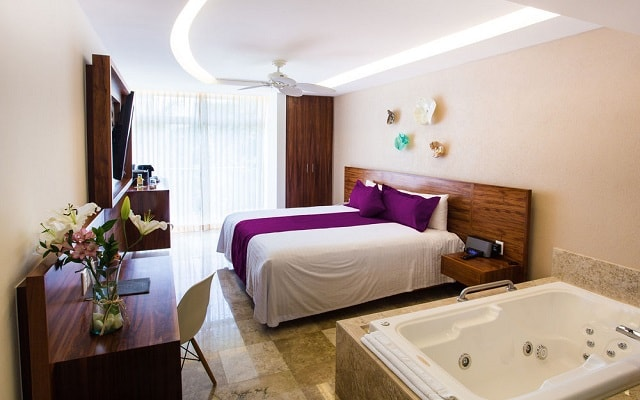 Hotel Senses Quinta Avenida by Artisan Adults Only, algunas habitaciones tienen jacuzzi