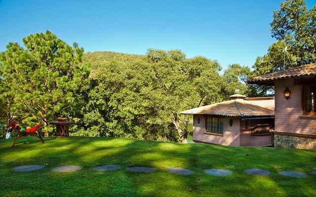 Hotel Sierra Lago Exclusive Mountain Resort and Spa, ubicado en la zona montañosa de la Sierra Madre