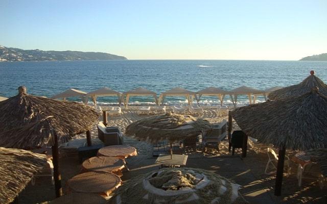 Hotel Sirena del Mar Acapulco, amenidades en el club de playa