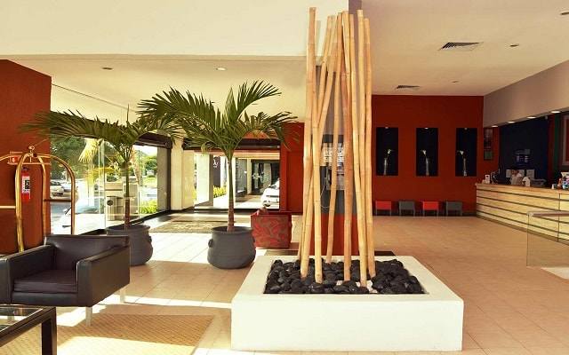 Hotel Smart by Oasis, lobby